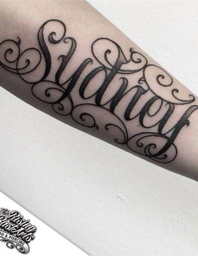 tattoonijmegen_risingbastards_namelettering